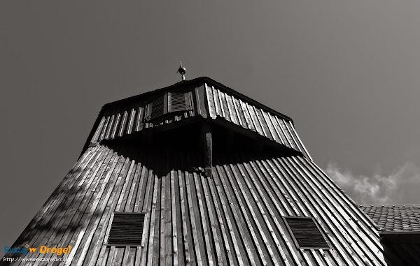 wieża kościoła w Kmiecinie