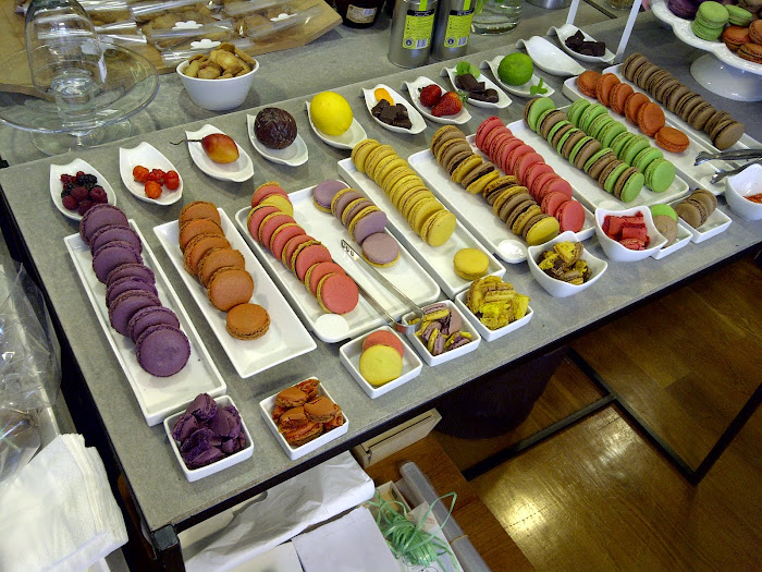 macarons, the colored sweets