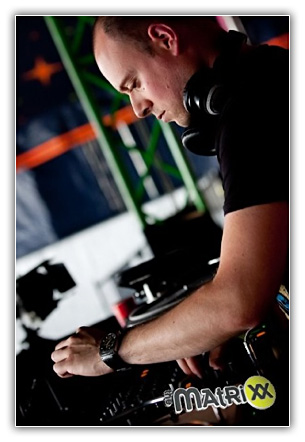 Bart Claessen Black Hole Radio Episode 162 – Guestmix Bart Claessen 2011.05.20