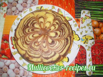 Пирог Зебра в мультиварке - готовый