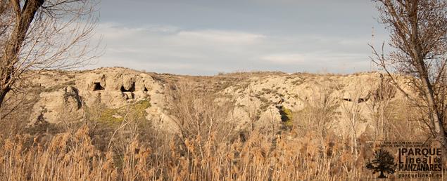 Panoramica de la cueva de la olmeda vista desde el vado del Manzanares