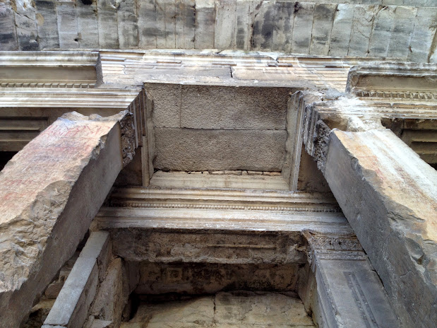 Храм Дианы Temple de Diane - достопримечательности Нима, что посмотреть в Ниме