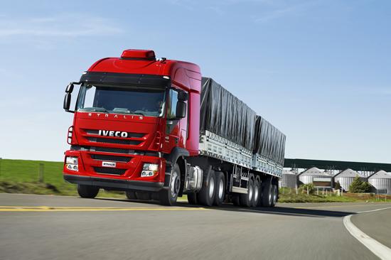 O Novo Iveco Stralis chegou com cinco opções de motorização e garantia de quatro anos lancamentostralis