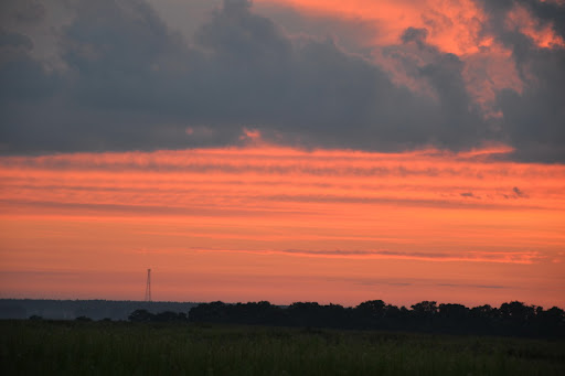 захід сонця над Боровою