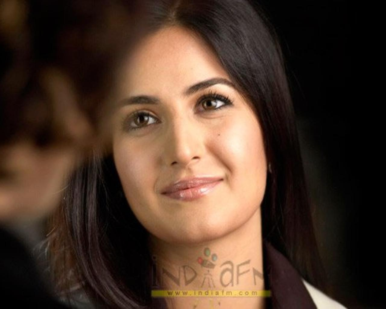 katrina kaif:download wallpaper
