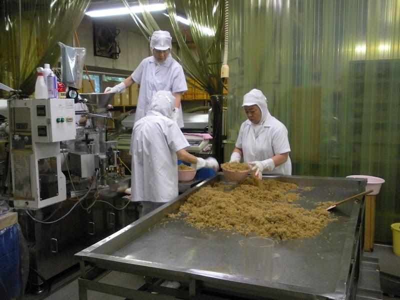 佃煮工場の様子