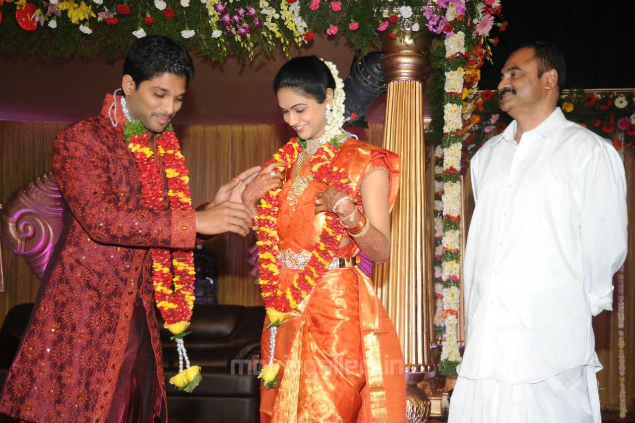 Allu Arjun Sneha Reddy Wedding Reception Photos Stills
