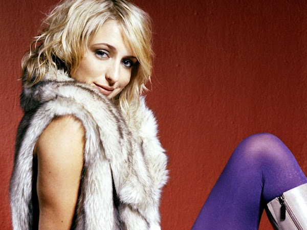 Ali Bastian:wallpaper,fun girls0