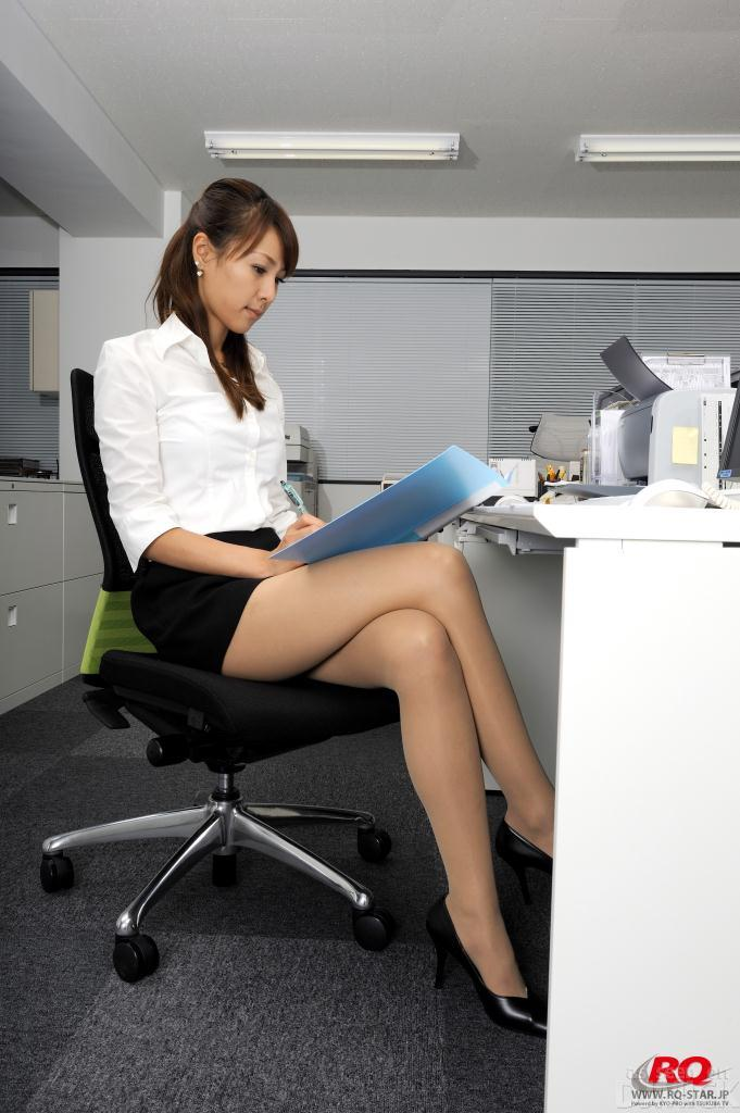 Japan Office Women-2255