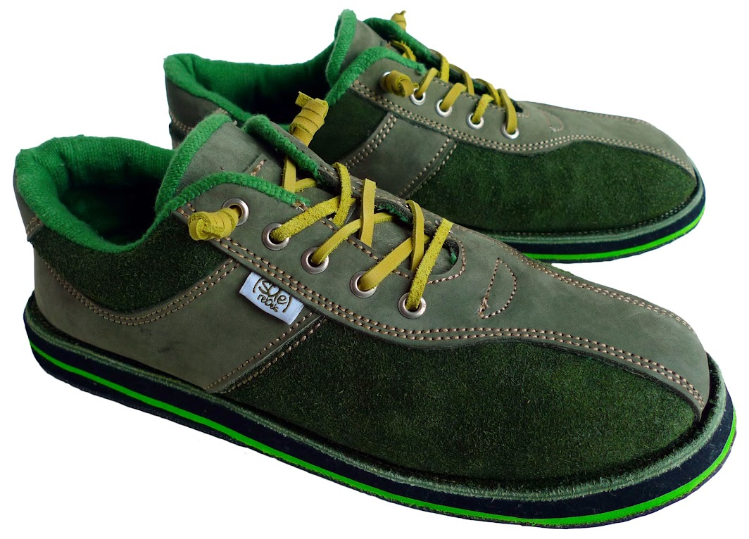 * soleRebels 雙重麂皮輪胎鞋:ONE TONE也有層次感 3