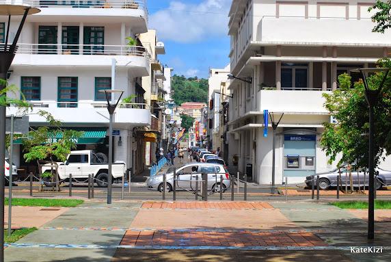 Последний взгляд на столицу - и бегом на пляж