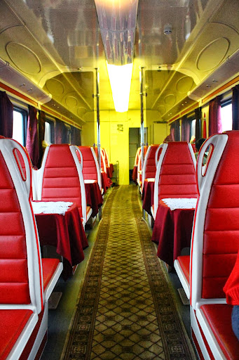 Restaurant car dining on the trans siberian the for Trans siberian railway cabins