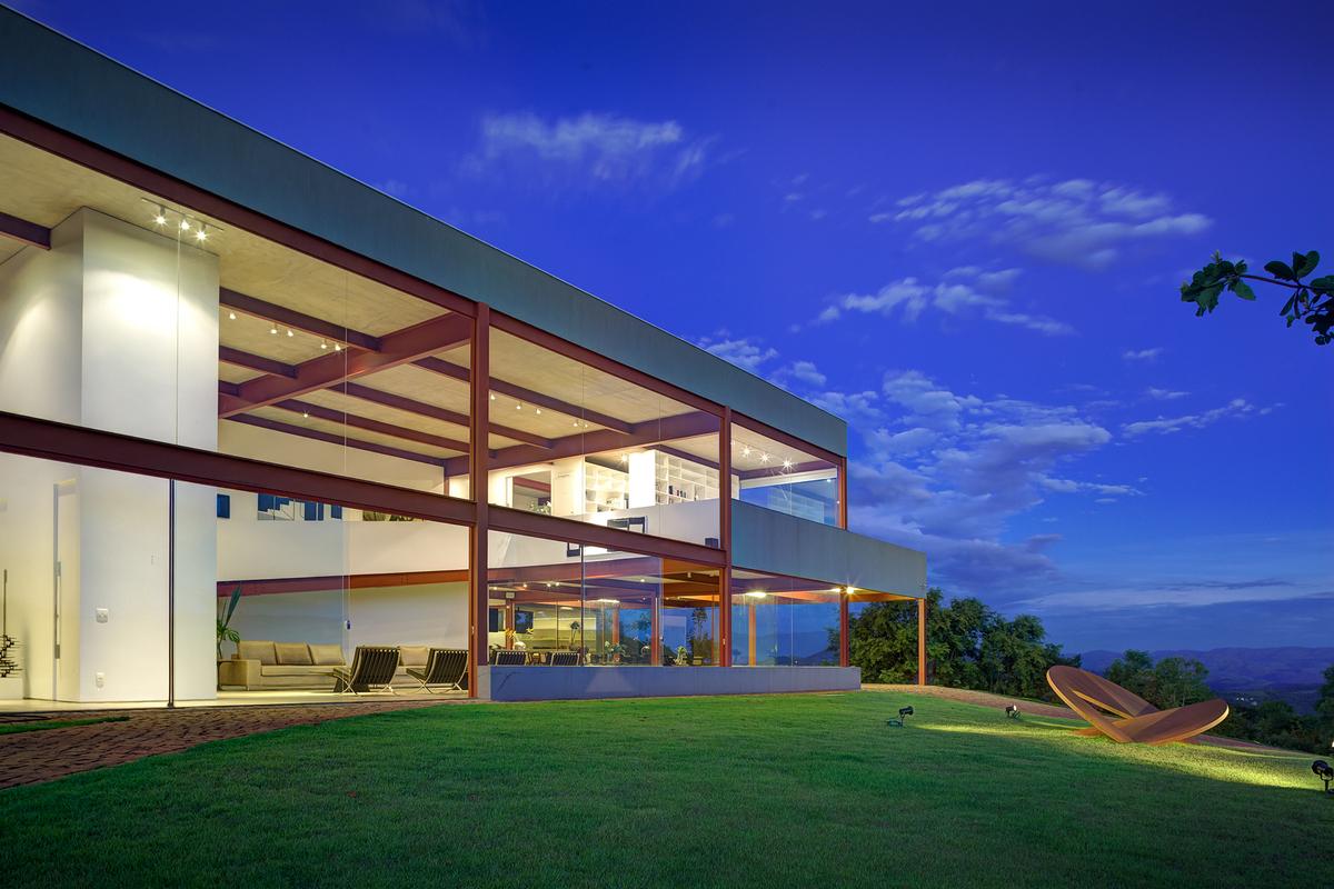 Nova Lima House design by Denise Macedo Arquitetos Associados