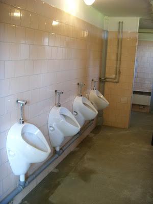見学者用のトイレ