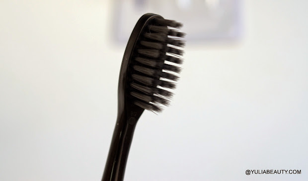 зубная щетка с углем