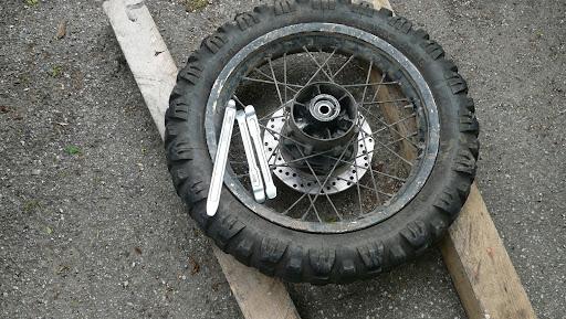 montage pneus et retour sur mitas c02 c17 atoc moto africatwin transalp owners club. Black Bedroom Furniture Sets. Home Design Ideas