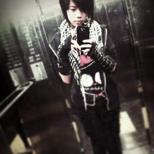 japanese goth, akumuink, japanese rock style, japan alternative, jgoth, jhorror shirt, black cat shirt, zombie cat shirt