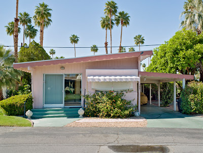 Trailers Park in Palm Springs by Jeffrey Milstein, Florida, USA, small dreams