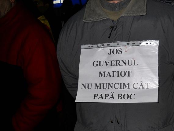 Protest la Suceava - marţi, 24 ianuarie. Manifestanţii au jucat Hora Unirii