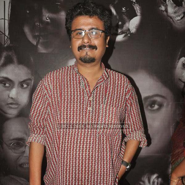 Indranil during the premiere of Ranjan Ghosh's movie Hrid Majhare at Priya in Kolkata.