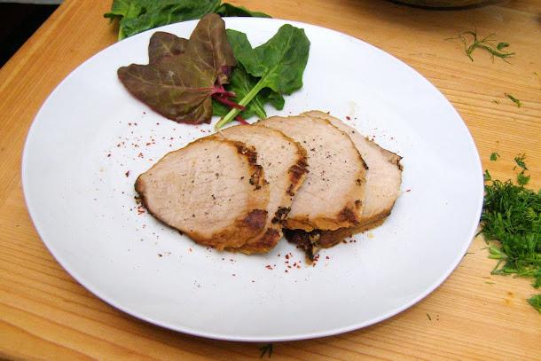 Pulpa de porc aromata cu salata de spanac