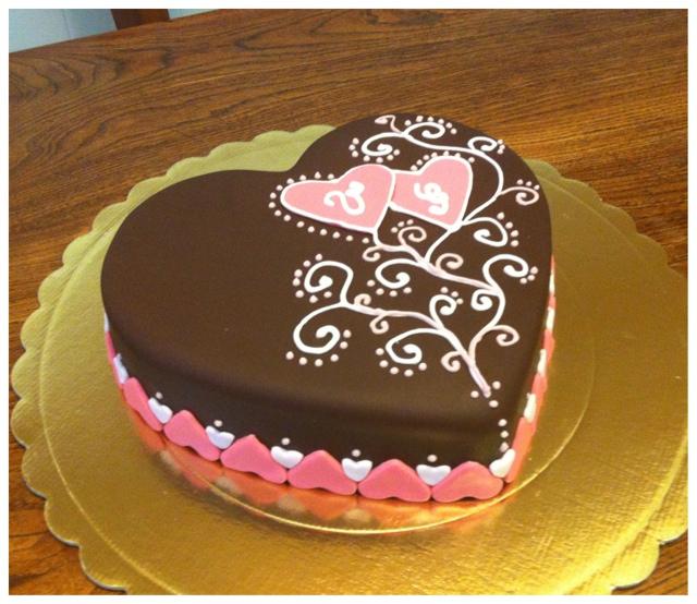 Lo zuccherino magico la torta per il mio anniversario - Decorazioni torte con glassa ...