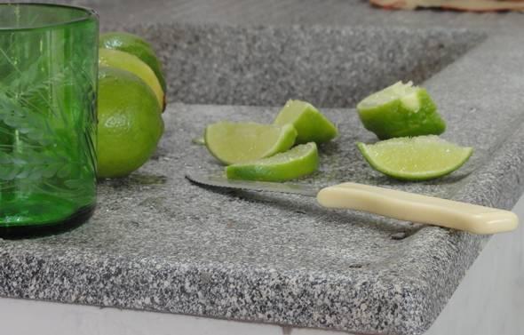 photo de citron vert découpé