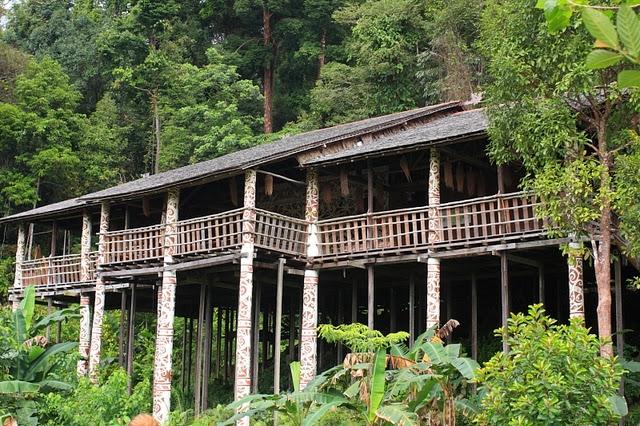 Kampung-Budaya-Sarawak-Cultural-Village