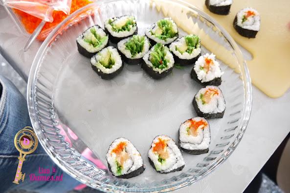 Sushi maken 5.JPG