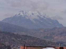 Vista del guardían de La Paz, el gran Illimani