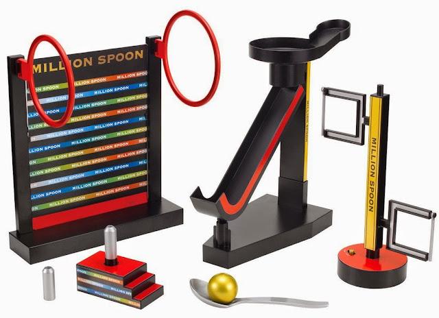 Trò chơi Million Spoon bao gồm 1 chiếc thìa, 1 trái bóng và 4 chướng ngại vật