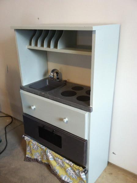 Dresser to kids play kitchen DIY