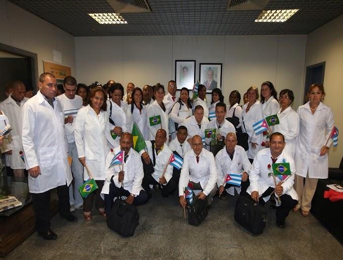 Chegada dos médicos cubanos evidencia subdesenvolvimento no sistema público de ensino superior no Brasil