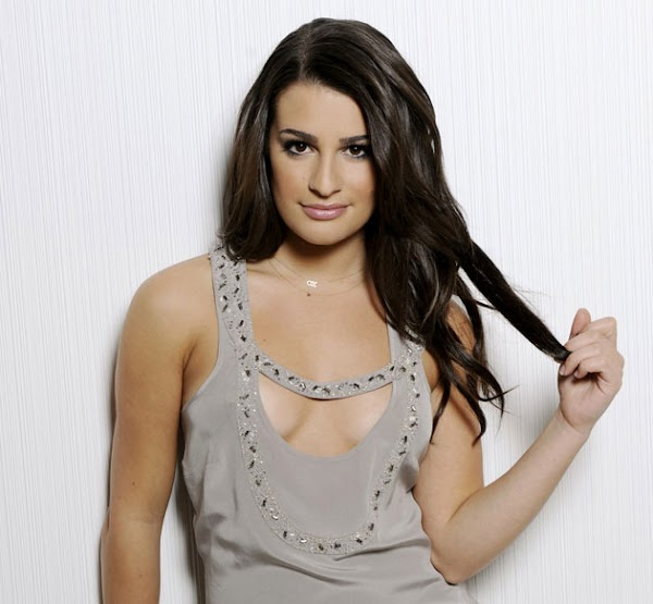Lea Michele is good at publicity  #cleavage:celebrities,cleavage