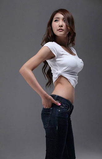 Korean Model Bang Eun Young standing