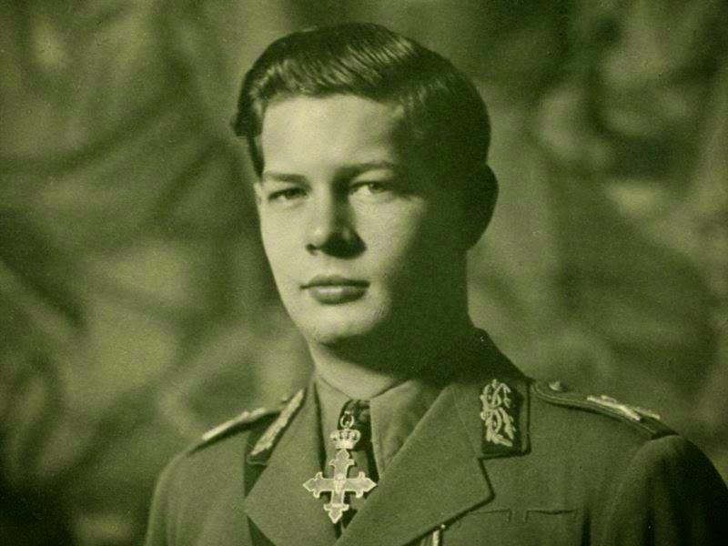 Regele Mihai I al României în tinerețe