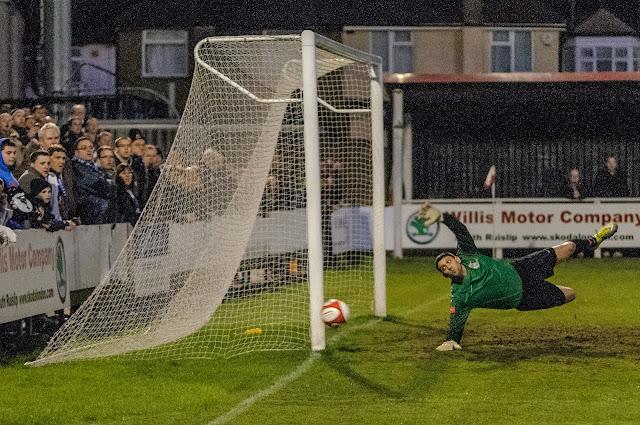 Harrow Borough 0 Wealdstone 0 (S Foster/WFC)