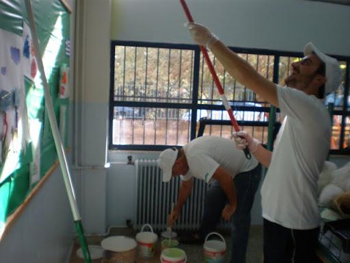 Εθελοντές έβαψαν το 1ο ειδικό Δημοτικό σχολείο Αγρινίου