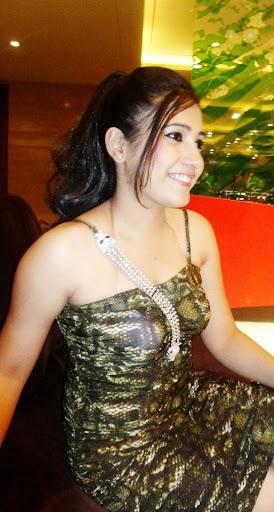 Resham  Anchor Female, Emcee Delhi ncr