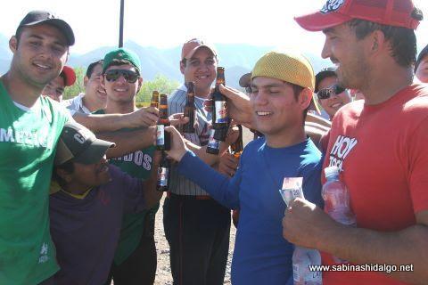 Celebración del equipo Ponchados en el softbol del Club Sertoma