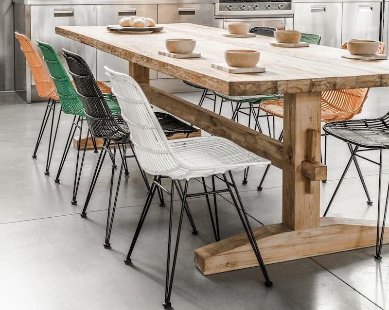 Un comedor nordico con aire industrial for Sillas comedor ligeras