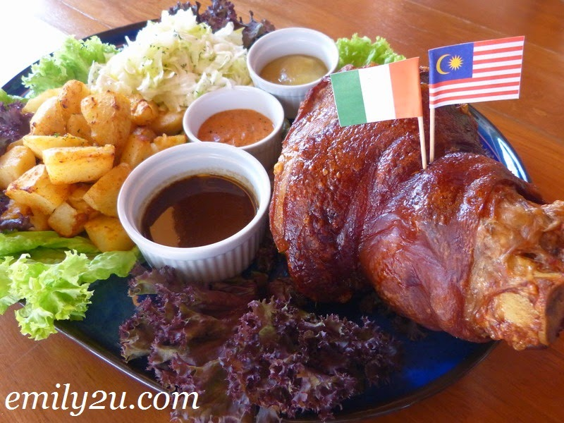 Lunch at Healy Mac's Irish Bar and Restaurant, Ipoh