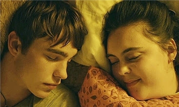 My Mad Fat Diary - Rae and Finn sleeping