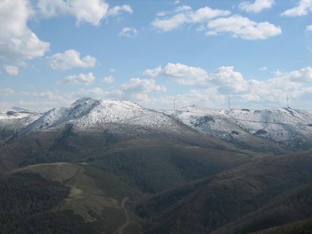 Rutas Montaña Asturias: Desde el Gargalois, vista del Carondio