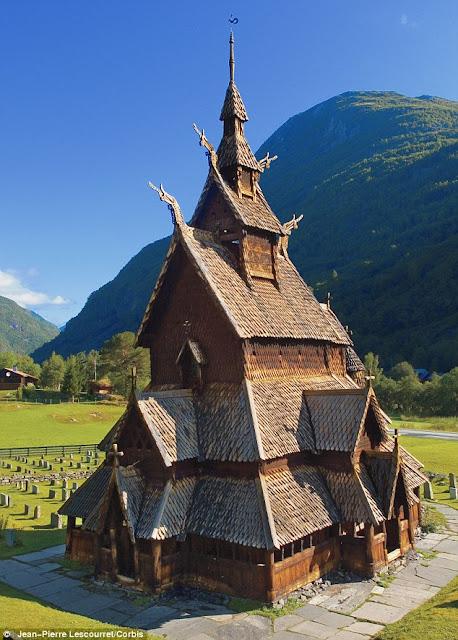 10 самых невероятных церквей