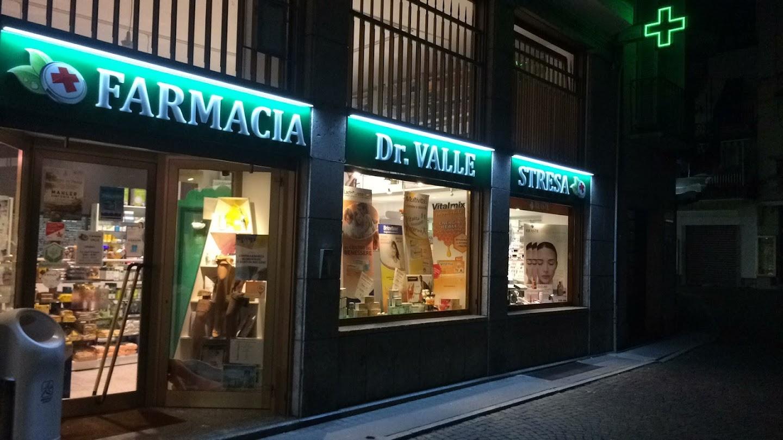 Farmacia Dr Valle Andrea La Farmacia Si Trova A Stresa In Via Cavour 16 A Sinistra Della Chiesa Sul Lungo Lago