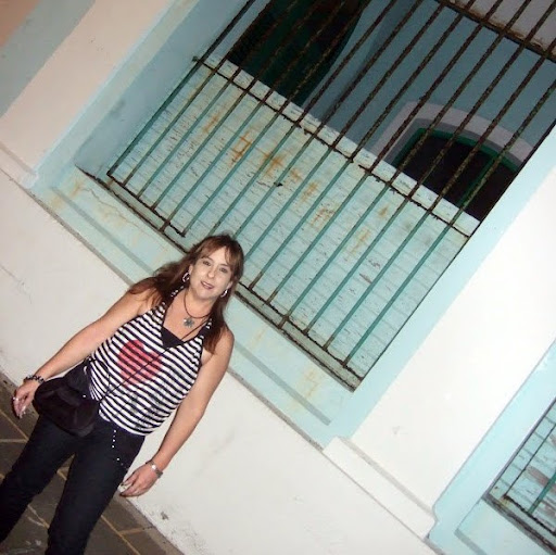 Peggy Deniz Photo 2