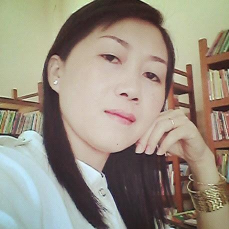 Oanh Ly Photo 12