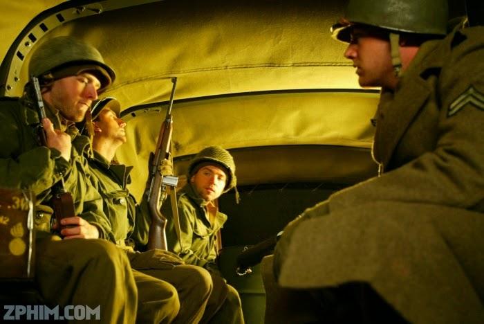 Ảnh trong phim Đàn Ông Thời Chiến - Everyman's War 1