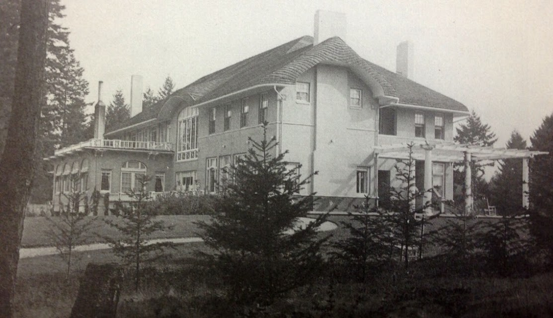 "Clubhouse 1910-1961 ""The Grand Old Lady"""